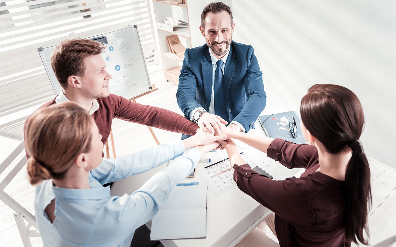 Bild Geschäftspartner am Tisch